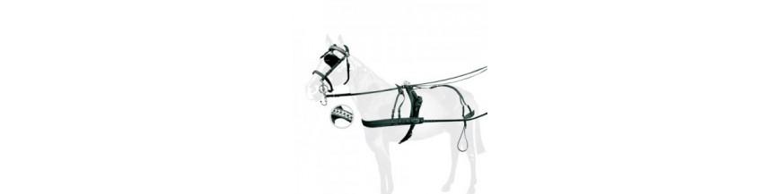 Guarniciones y enganches caballo