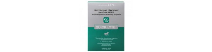 Vitaminas, sales y pienso complementario para caballos.
